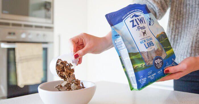 ジウィピークドッグフード(ZIWI)の給餌量